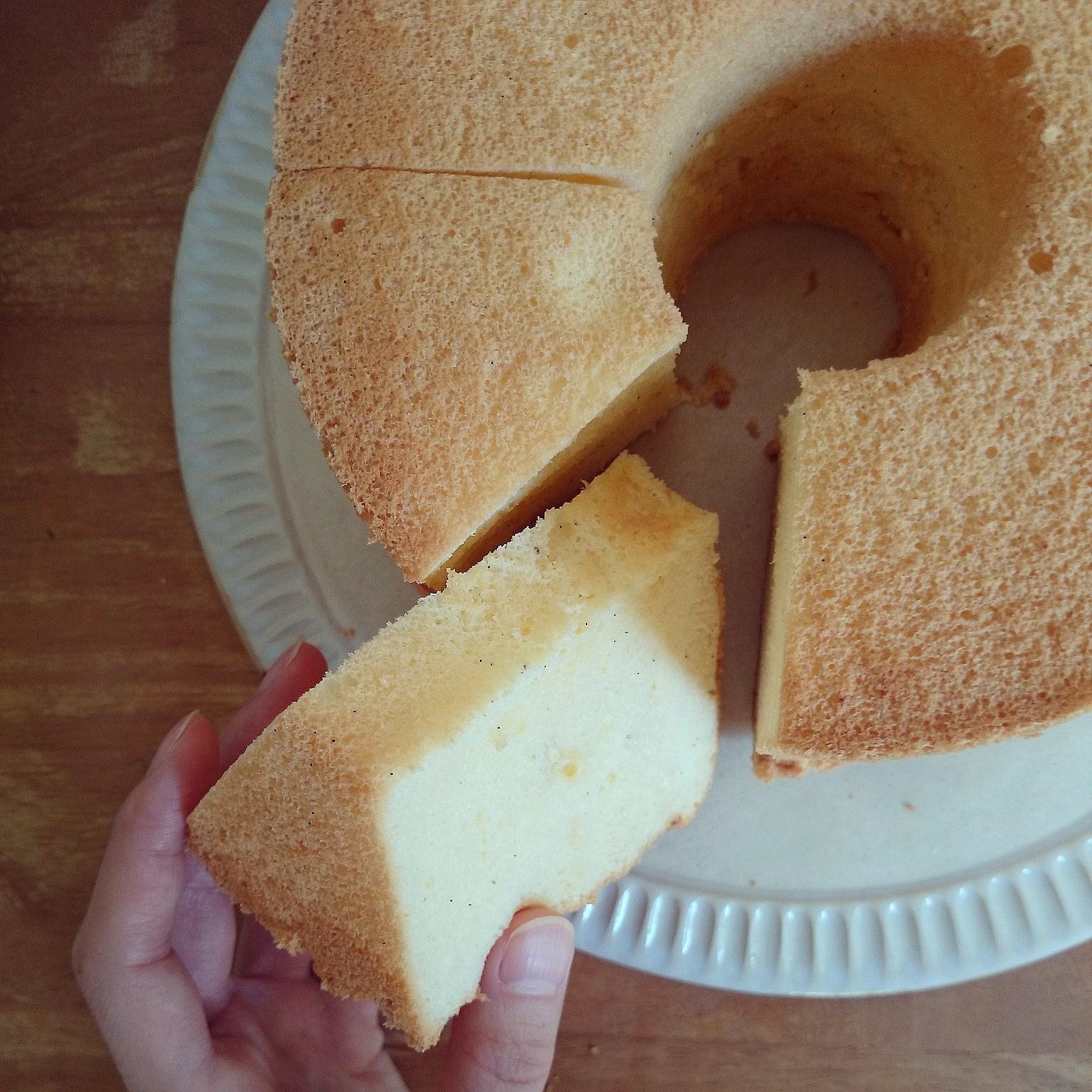 お久しぶりのバニラシフォンケーキと焼き林檎のおやつ❁