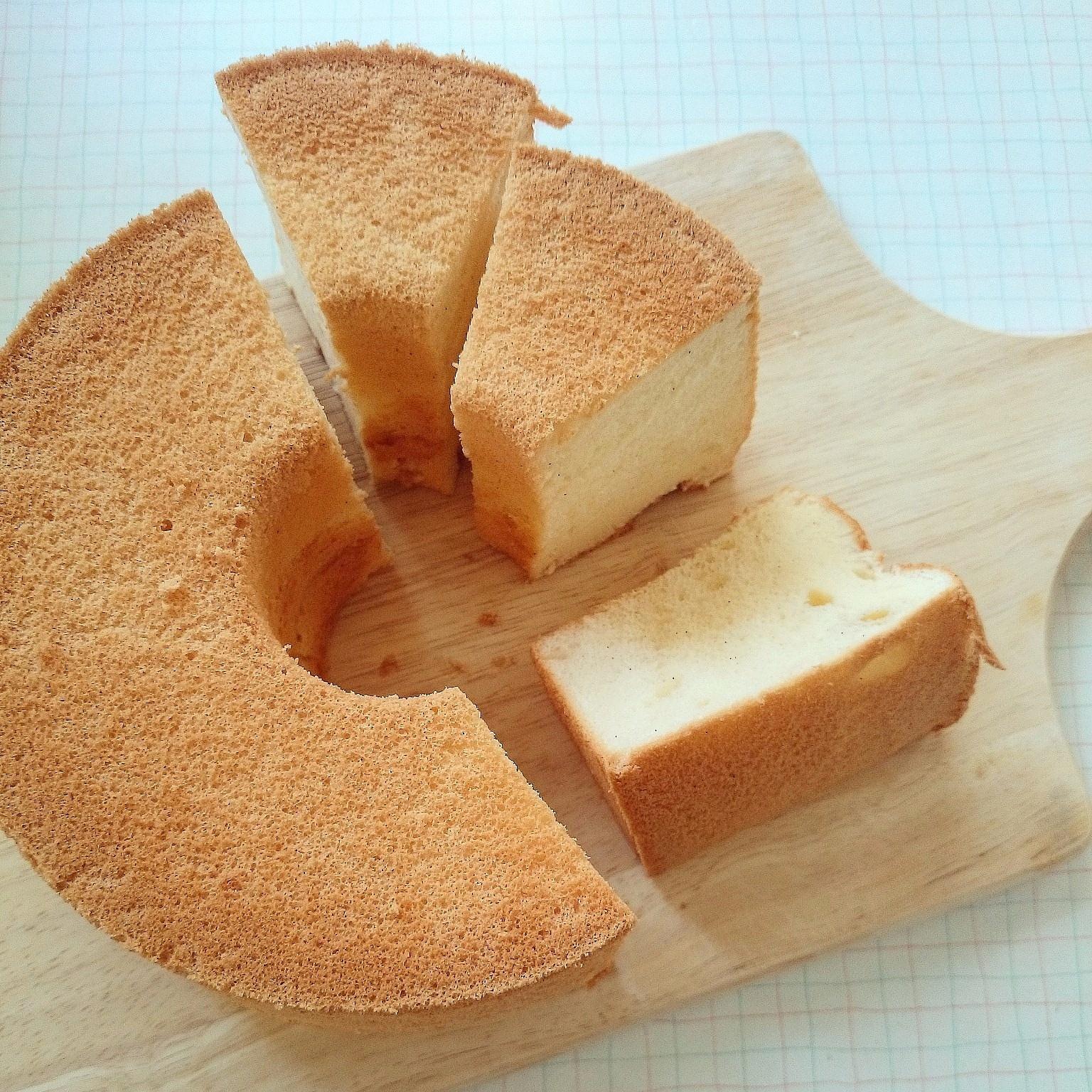 卵3個のバニラシフォンケーキと梨トーストの朝ごはん❁