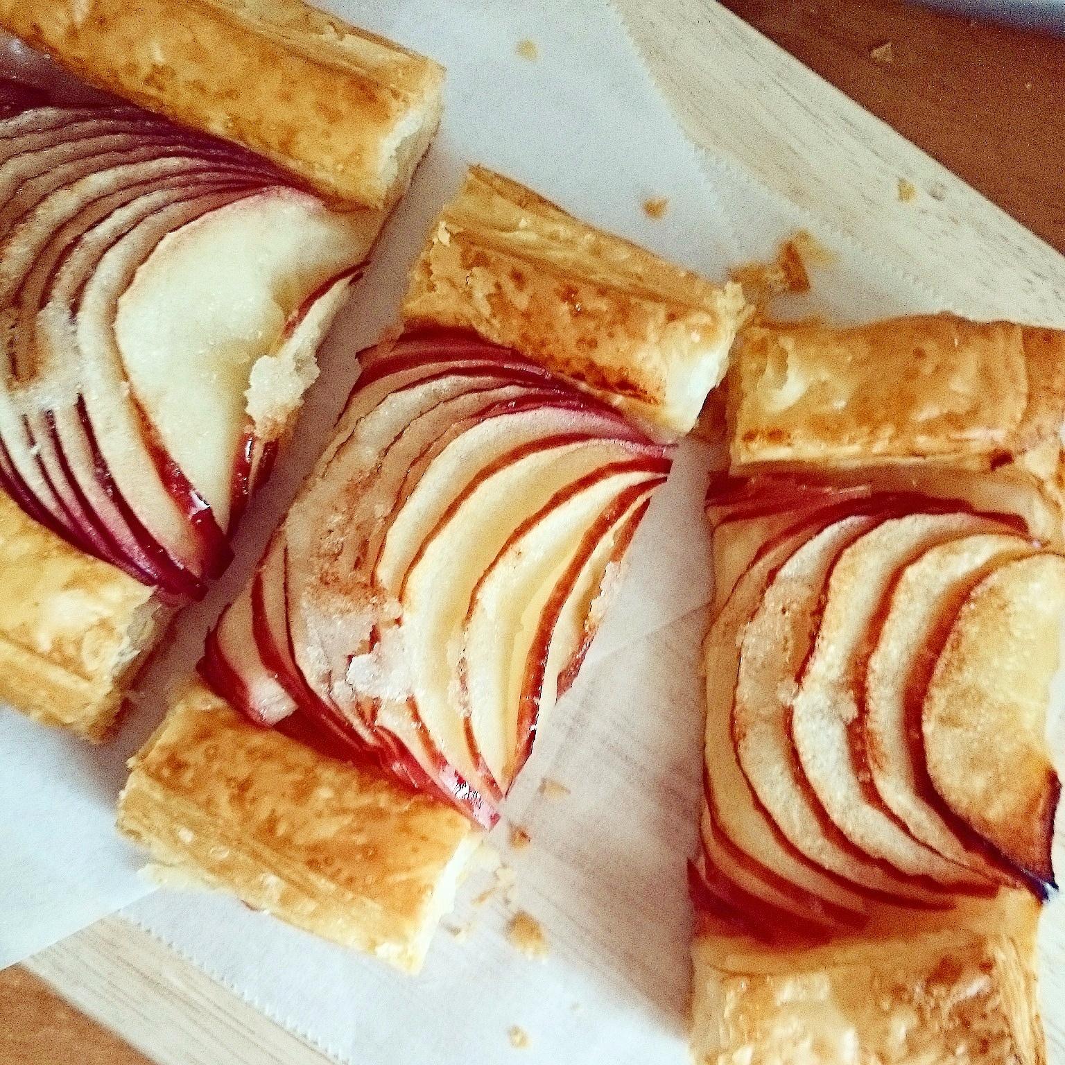 紅玉のパイでおやつと、朝食バケット❁